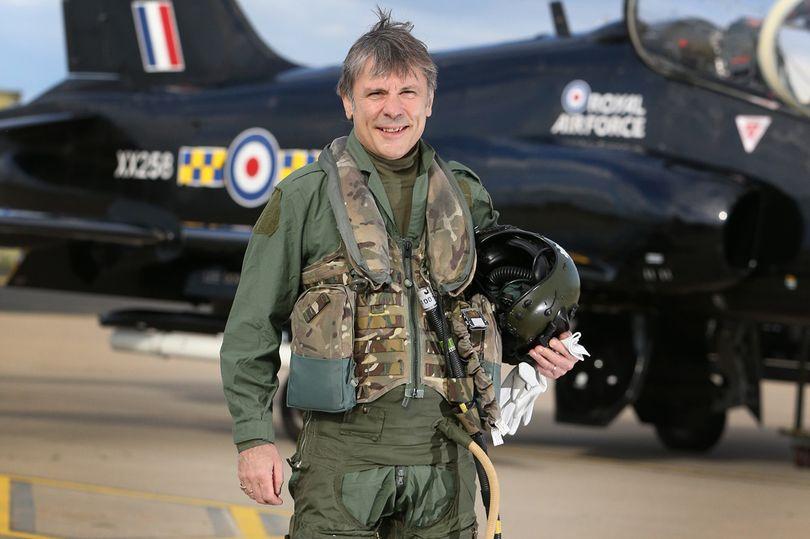 Σμήναρχος της Royal Air Force (RAF) ο Bruce Dickinson!