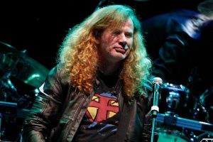 MEGADETH's Dave Mustaine is '100% free of cancer'!