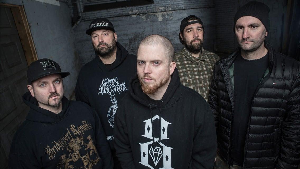 Οι HATEBREED επέστρεψαν μετά από τέσσερα χρόνια με το νέο τραγούδι 'When The Blade Drops'!