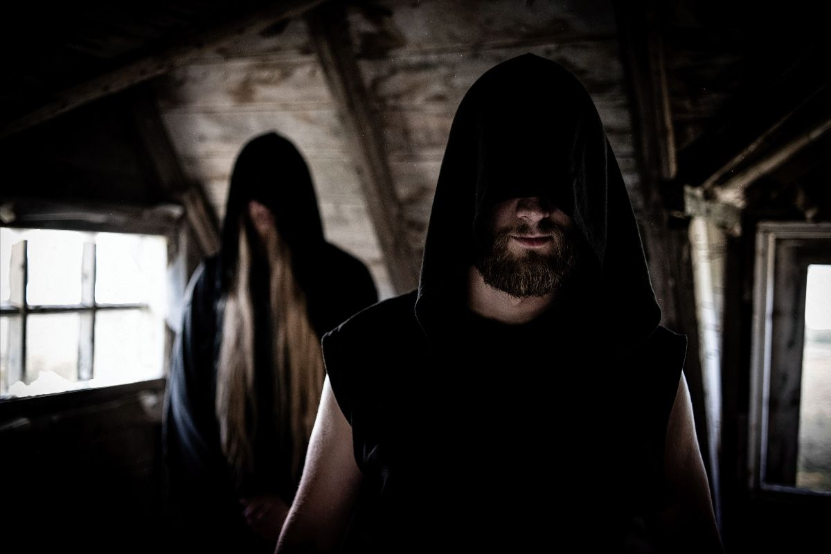 Black Metallers HELFRÓ Release Music Video And Announce Album Details.