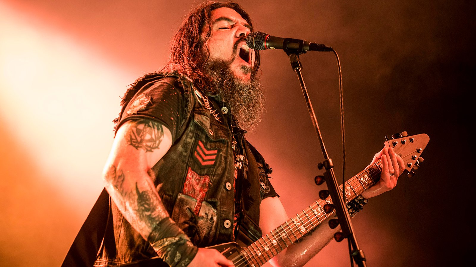 "MACHINE HEAD Release ""Civil Unrest"" Digital Single And Taps KILLSWITCH ENGAGE Frontman JESSE LEACH For New Song ""Stop The Bleeding""!"