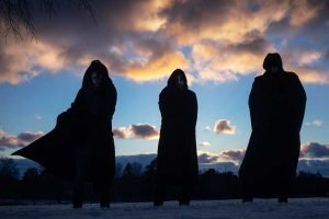 MÖRK GRYNING: Ακούστε το νέο τους single «Fältherren».