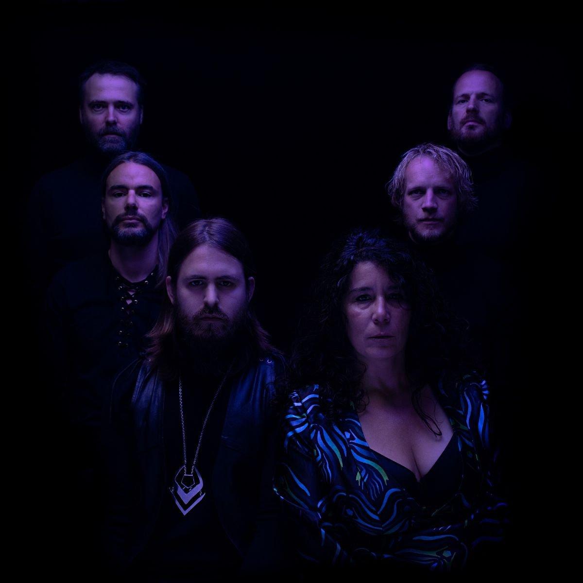 Οι MOLASSESS προσφέρουν διαδικτυακά ολόκληρο το νέο άλμπουμ τους «Through the Hollow».