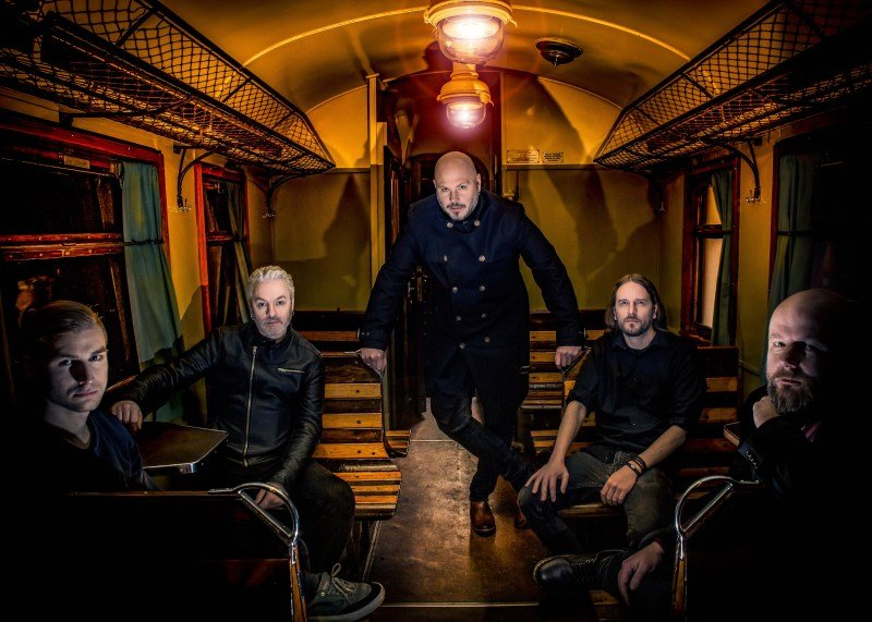 """Οι SOILWORK παρουσίασαν την πιο φιλόδοξη κυκλοφορία τους μέχρι σήμερα, το """"A Whisp Of The Atlantic"""", καθώς και ένα ιδιαίτερο μουσικό βίντεο για το ομώνυμο τραγούδι!"""
