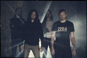 Οι EMPTINESS κυκλοφόρησαν νέο τραγούδι από το επερχόμενο άλμπουμ τους.