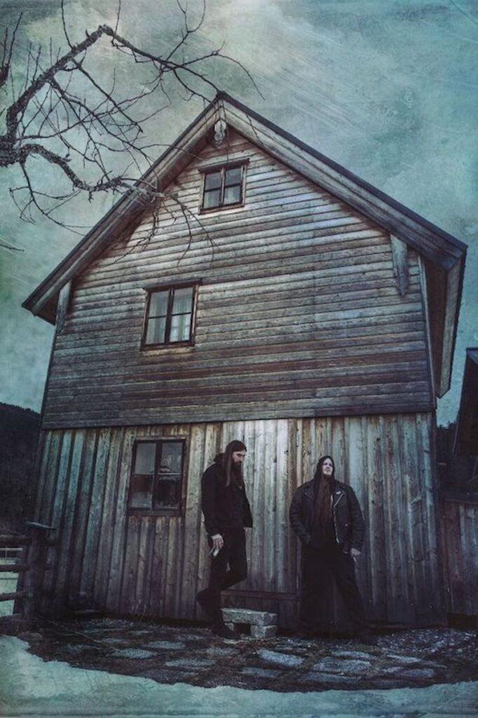 Οι HARAKIRI FOR THE SKY ανέβαλαν την κυκλοφορία του νέου τους άλμπουμ ενώ κυκλοφόρησαν το νέο single «I' m All About The Dusk»!