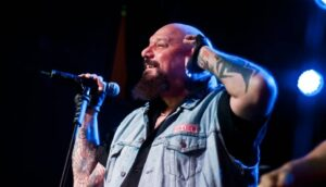 Fundraising for the restoration of the health of Paul Di'Anno, former singer of IRON MAIDEN, started from his fans.