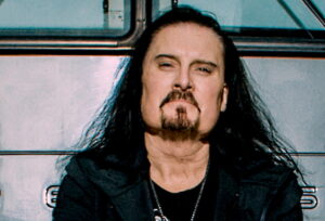 """DREAM THEATER's JAMES LABRIE Sings """"Have A Cigar"""" On New PINK FLOYD Tribute Album."""