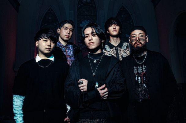 "PROMPTS released new single ""Asphyxiate"" feat. Ryo Kinoshita of CRYSTAL LAKE."