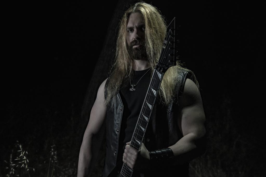 YOTH IRIA announced their new guitarist!